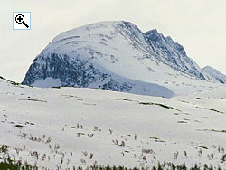 From Sota s�ter to the north, Tverr�dalskyrkja is an imposing mountain